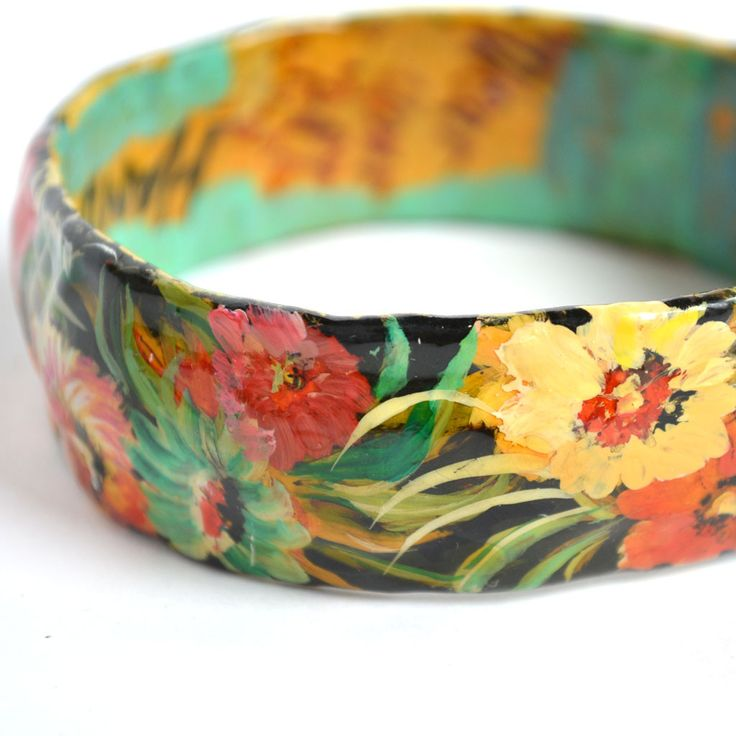 Vintage Paper Mache Bangle                                                                                                                                                                                 Más
