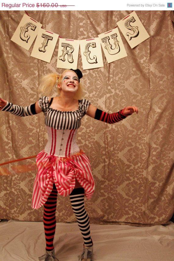 Urlaub Verkauf Circus Clown Korsett Kostüm von AliceAndWillow, $128.00