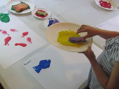 sponge print fish after reading Swimmy and Fish is Fish by Leo Leoni...and Mister Seahorse by Eric Carle