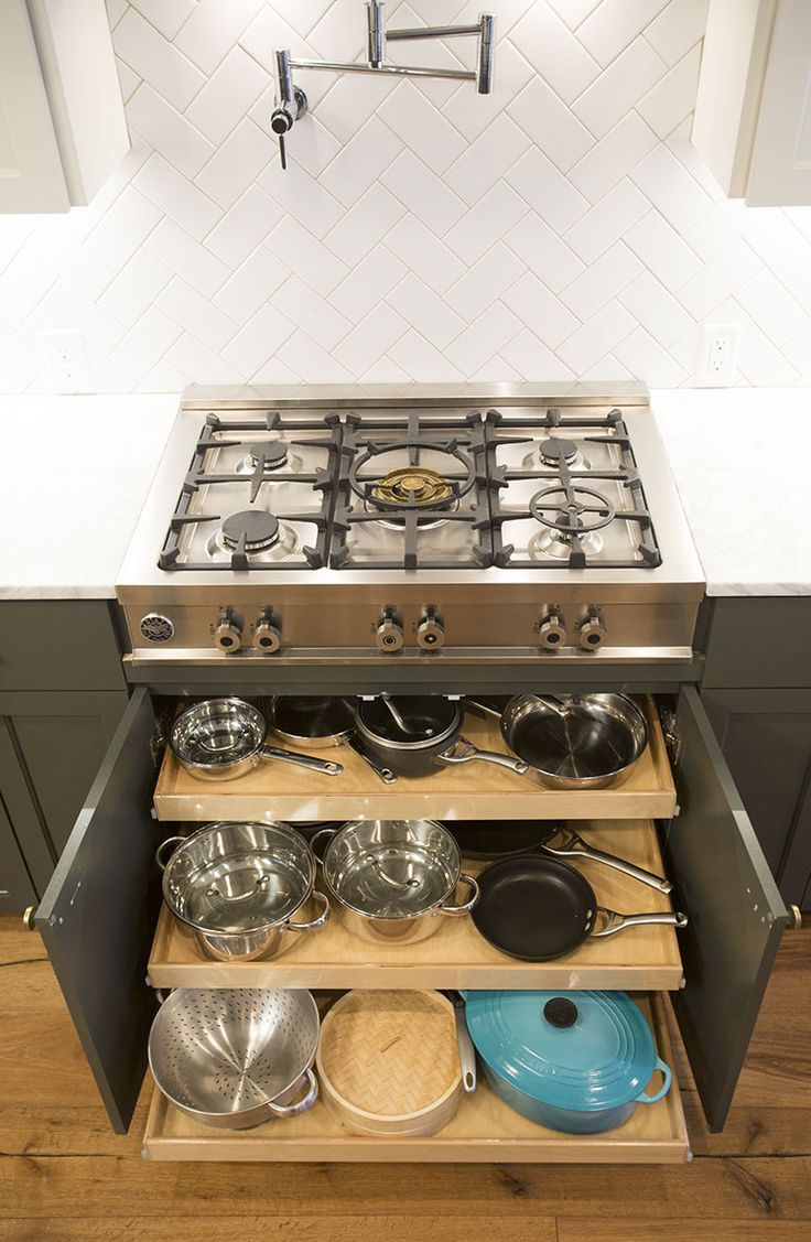 Perfect Pull Out Shelving Kitchen Solutions