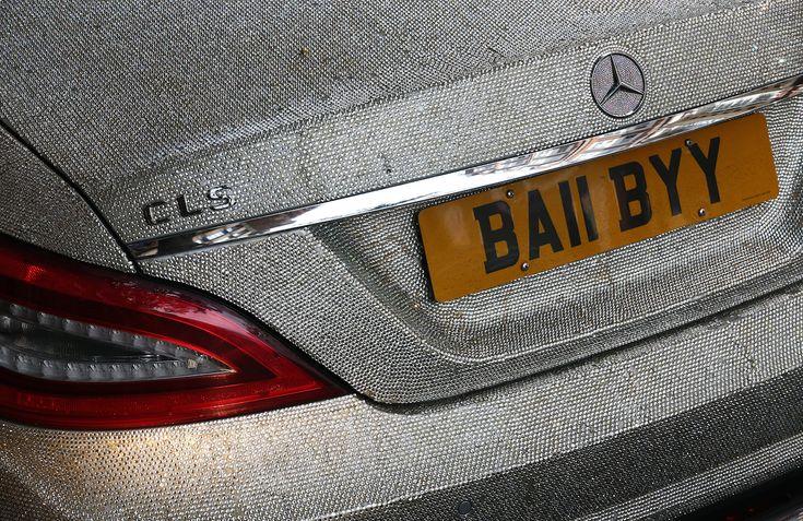 Swarowski-kristályokkal kirakott Mercedes. Fotó: Carl Court/Getty Images