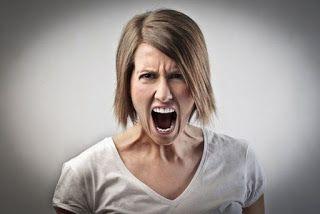 Pegar un fuerte grito