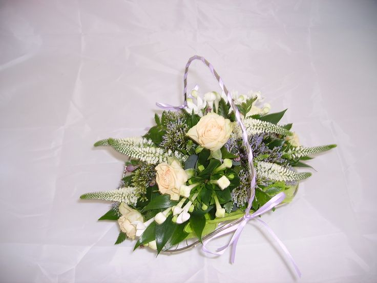 Cute bridesmaids basket from #AnthonyPayne
