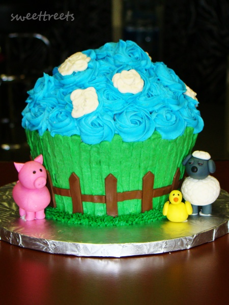 Farm Cake With Fondant Animals Super Cute For Petting Zoo Party