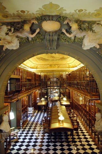 Font i Gumà / Jujol. Biblioteca Ateneu Barcelonés. Palau Savassona.  Barcelona