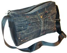 Recycled denim messenger bag tote purse - Diy, sewing, remake, reuse, recycle, upcycle, how to make, tutorials, patterns, technique, fabric, material, old jeans, denim