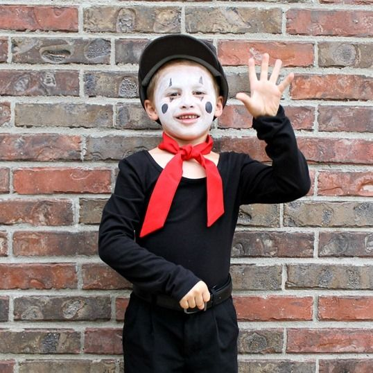 Easy Mime Costume