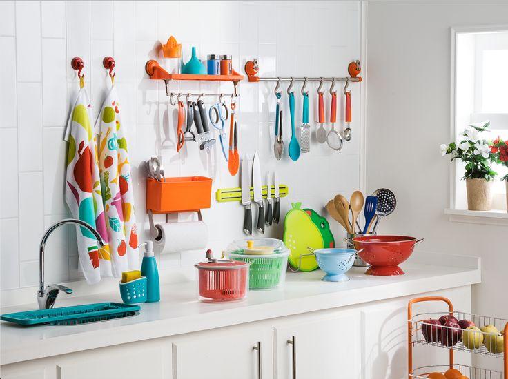 Todo lo que necesitas para cocina sin preocupaciones está en Casaideas. Ven por nuestros secadores de ensaladas, coladores, tablas y cuchillos de cocina. Además, puedes encontrar una gran cantidad de organizadores para tener todo a tu alcance.