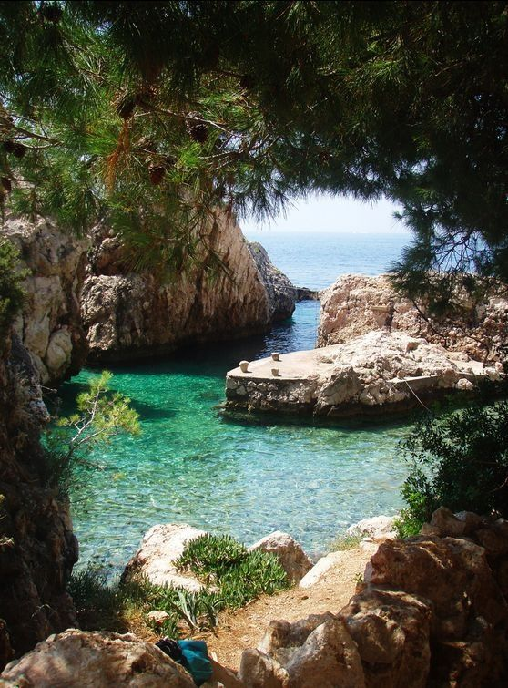 Pictures like this make it obvious why so many people are obsessed with Mallorca. Far beyond a touristy area, Mallorca has hidden coves and beaches all over the island!