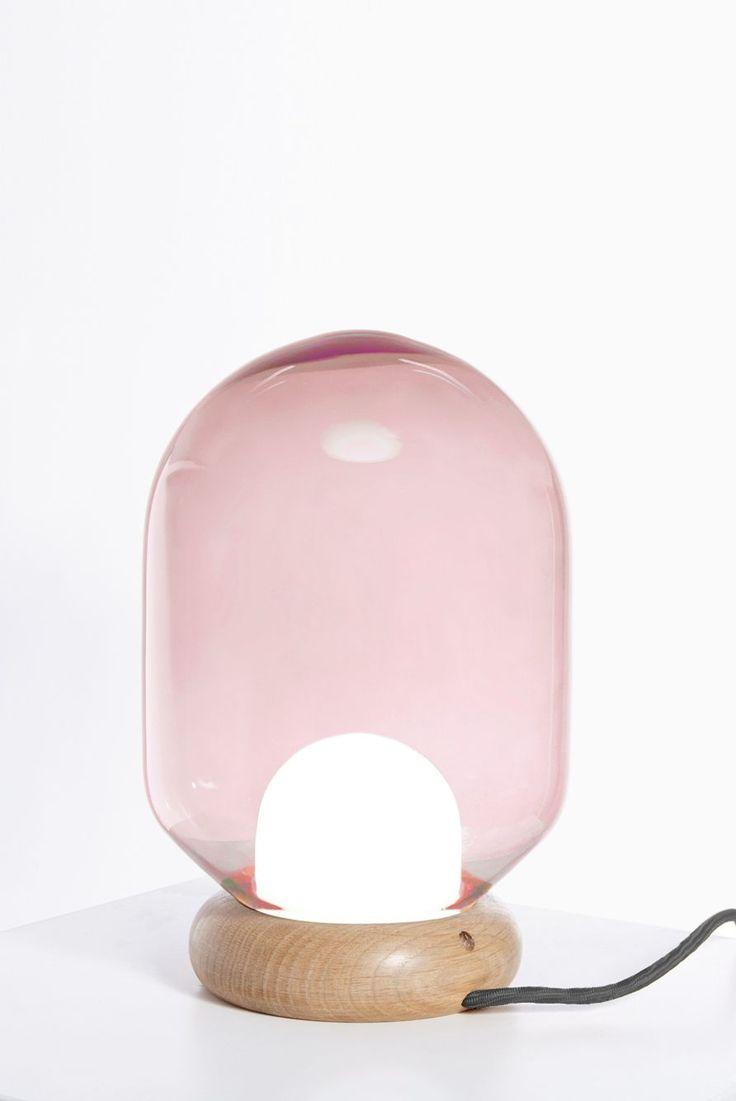 soffio bubble gum- lampe à poserMargaux Keller puise son inspiration dans les bulles, comme une évocation à la douceur, à la légèreté et au…