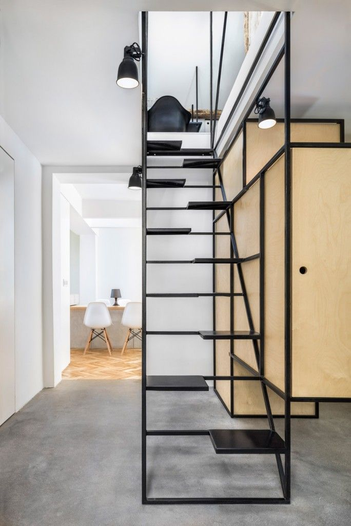 Best 25+ Stair shelves ideas on Pinterest | Staircase ...