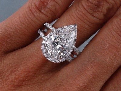 3.81 CARATS CT TW PEAR SHAPE DIAMOND ENGAGEMENT RING D SI1