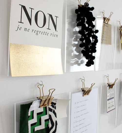 DIY: Carpetas acrílicas + clips dorados. organizando el lugar de trabajo