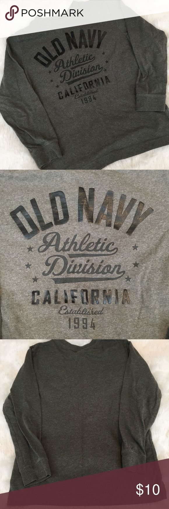 """Boy's Old Navy L/S T-Shirt Boy's Old Navy Charcoal Grey """"Athletic Division"""" long sleeve t-Shirt. Size S(6/7). In great preloved condition. ❌NO TRADES ❌NO LOWBALLING ❌NO MODELING ❌ Old Navy Shirts & Tops Tees - Long Sleeve"""