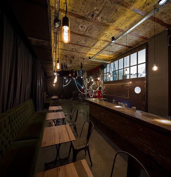 Interbelic Victoria te transportă într un bar new yorghez din anii 20 30, în vremea Prohibiției