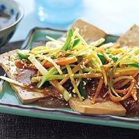 Tofu met groenten en sesamsaus - Allerhande #lowcarb #Asian #tofu