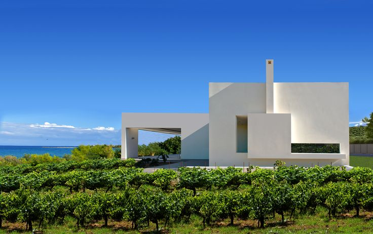 Image 1 of 28 from gallery of House in Zakynthos / Katerina Valsamaki Architects. Photograph by Konstantinos Thomopoulos