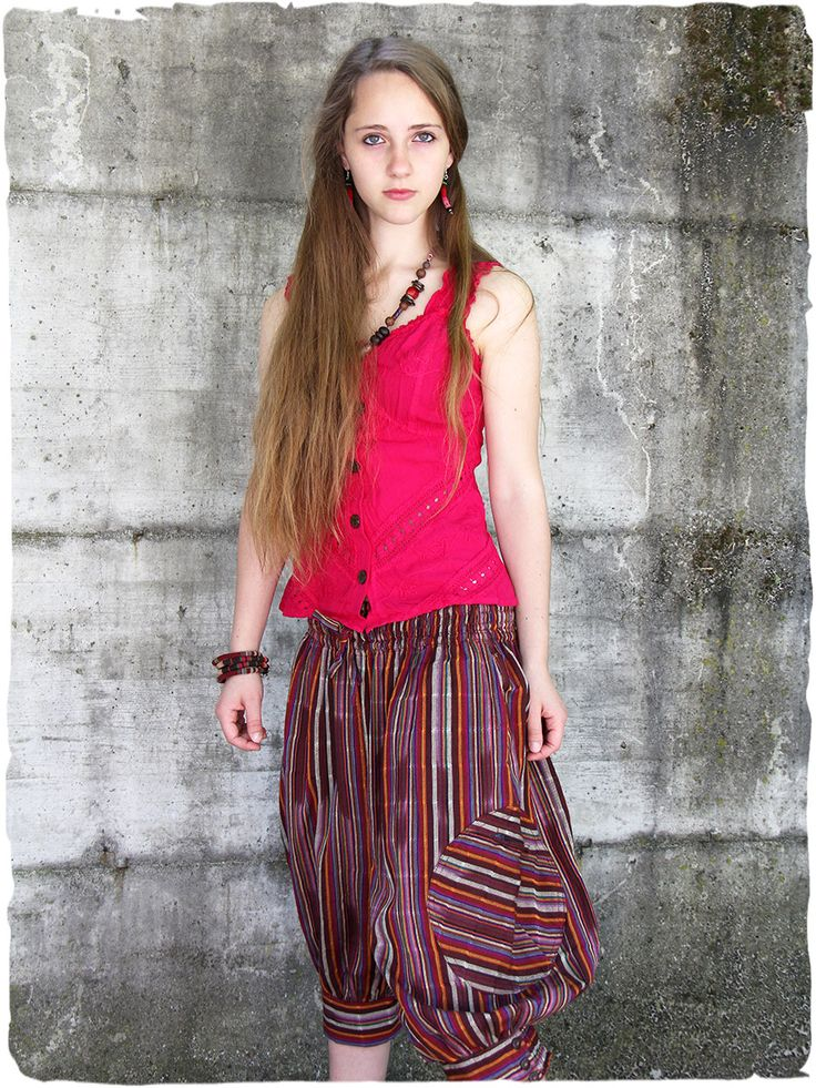 Pantalone Dory Bellissimo pantalone con cavallo basso, comoda cinta elastica #modaetnica #ethnicalfashion #alpacaswhool #lanadialpaca #peruvianfashion #peru #lamamita #moda #fashion #italianfashion #style #italianstyle #modaitaliana #lamamitafashion #moda2015 #fashion2015