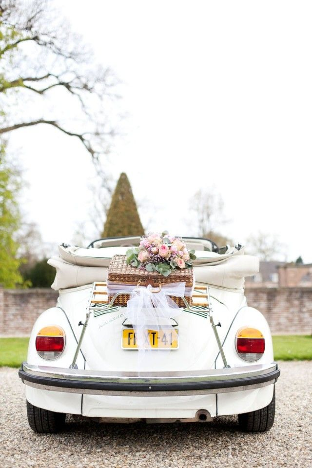 Trouwauto: De witte kever! | ThePerfectWedding.nl