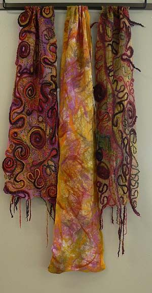 """Escriba - """"drawn"""" patterns with wool"""