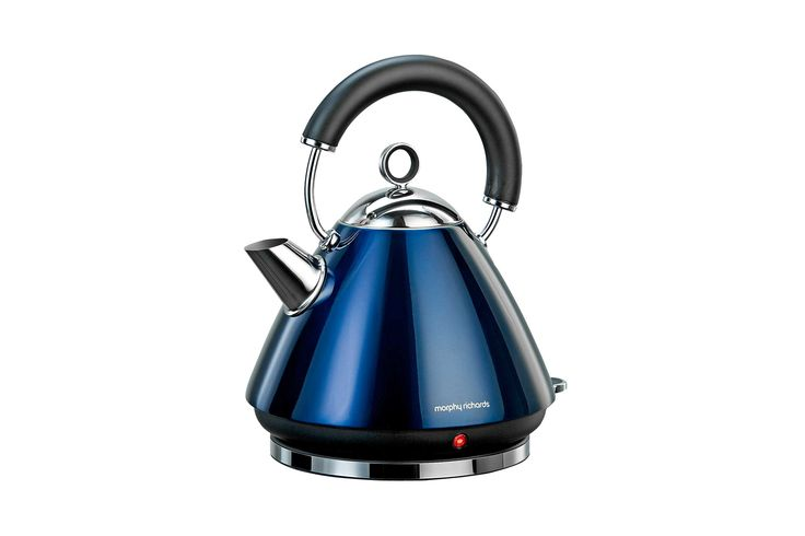 Add a touch of designer chic to your kitchen with the new Traditional Kettle Collection from Morphy Richards. It combines classic retro styling with all the functional features required in today's kitchen.