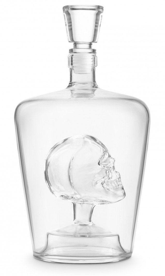 Une tête de mort dans ma carafe  #skull #skulls #whisky #vodka #tequila #mort