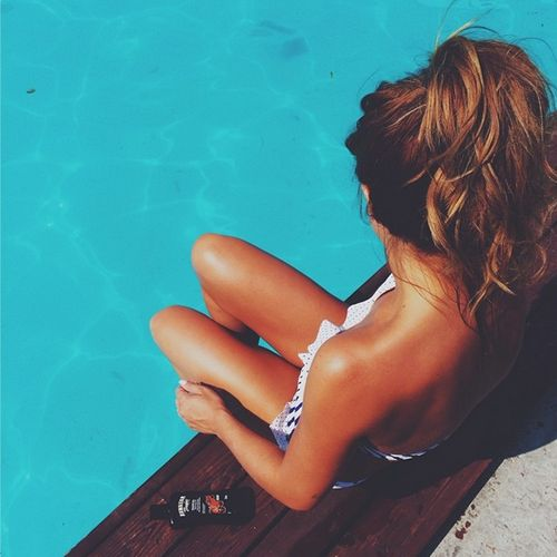 CLOSED RP) Cherry) *i was moving my feet around in the water waiting for you to get here and you tap on my shoulder*