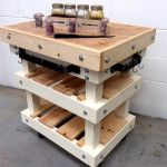 DIY Upcycled Pallet Kitchen Island