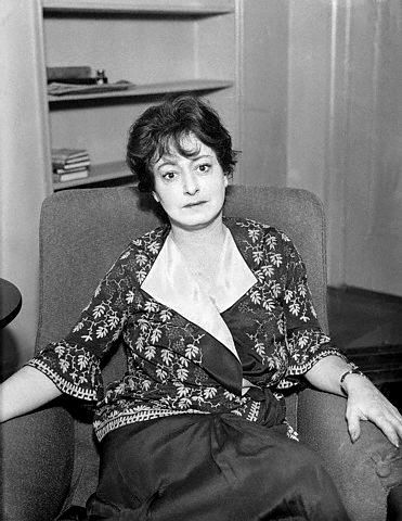 """""""There's a hell of a distance between wise-cracking and wit. Wit has truth in it; wise-cracking is simply calisthenics with words.""""—Dorothy Parker (1893-1967),"""
