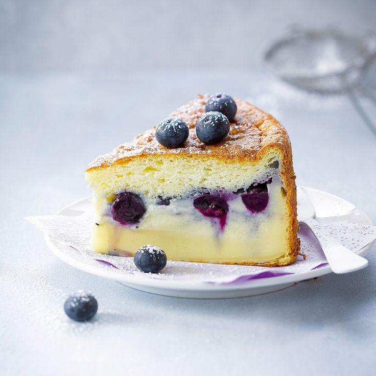Connaissez-vous le gâteau magique ? Après les mug cakes et les push cakes, c'est la dernière douceur qui affole la Toile. Le but est de réunir trois textures différentes dans un gâteau : flan, crème et génoise, résultant de la cuisson d'une seule et même pâte. On vous donne le truc po...
