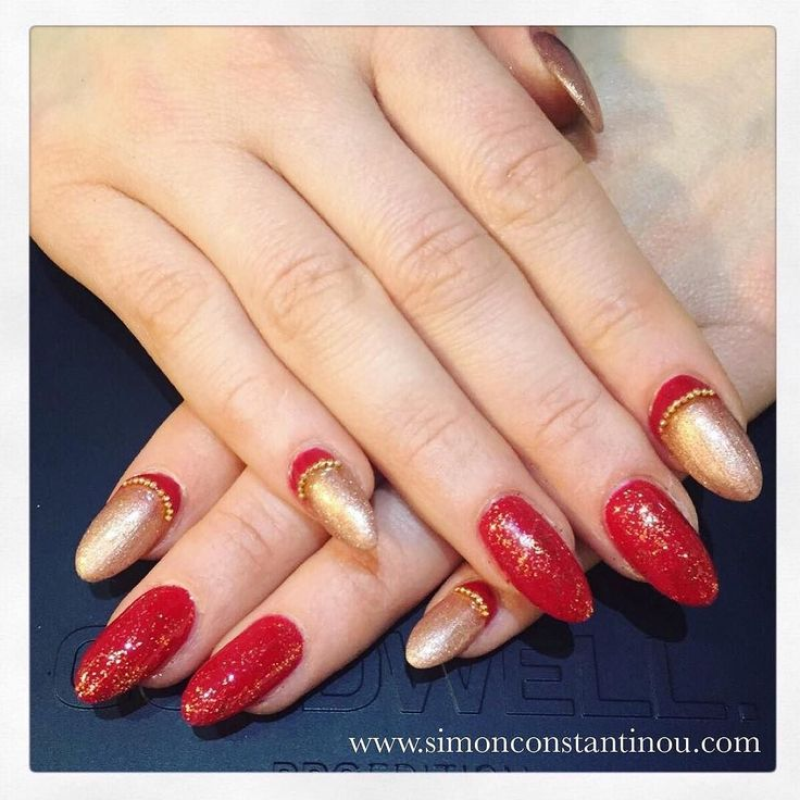 Roses are Red and...so are these fabulous nails! What do you make of this stylish nail art by Monika? Check out our online pricelist which has been recently updated to include all Monika's nail services: http://ift.tt/2kIDz5K  Call 02920461191 to book or enquire. O.Constantinou & Sons. 99 Crwys Rd Cardiff. CF24 4NF #simonconstantinou #beautysaloncardiff #nailart #redandgold #nailartcardiff #rednails #crimsonnails #glitternails
