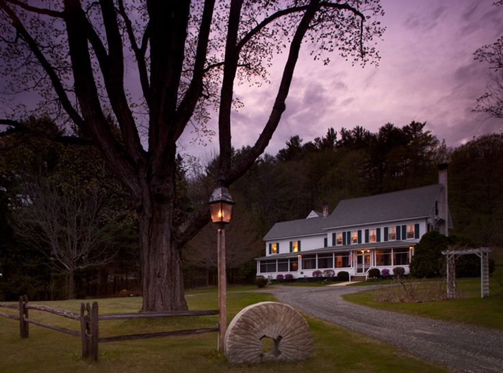 New Hampshire Lakes Region Bed and Breakfast for sale