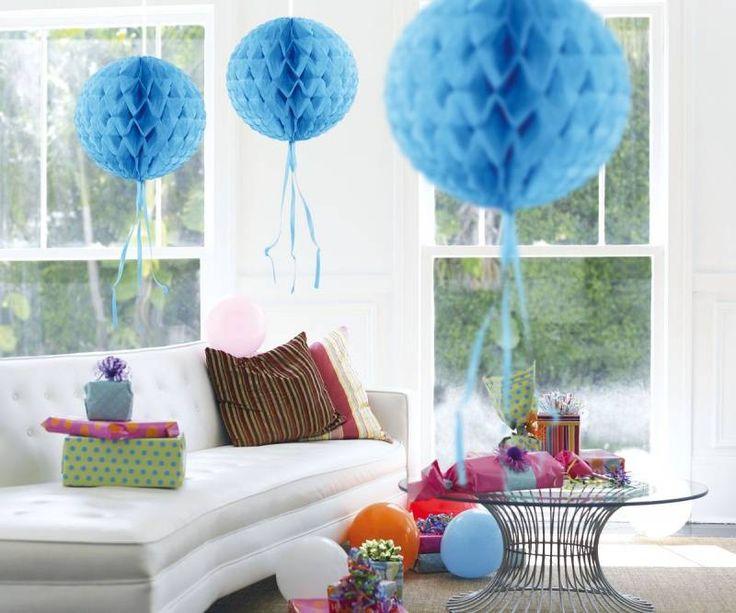 Blauwe honingraat van papier. 30 cm doorsnede. 1 stuks      Honeycomb Decoratie decoration blauwe honningraat bal blue honeycomb