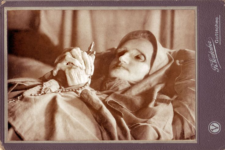 Memento Mori Photographs | of those 'weird or what' collections of post mortem photography ...