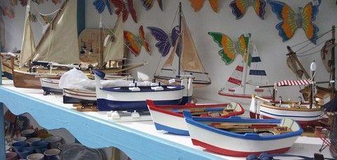 Souvenir del golfo shop hand made boat