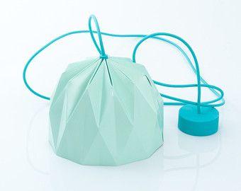 Piccola lampada Origami, paralume colorato appeso Aqua, paralume di carta progettata