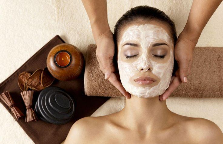 Descubre las ventajas que puede tener el uso de la arcilla bentonita como mascarilla facial. ¡Úsala de manera diaria para lucir más radiante que nunca!
