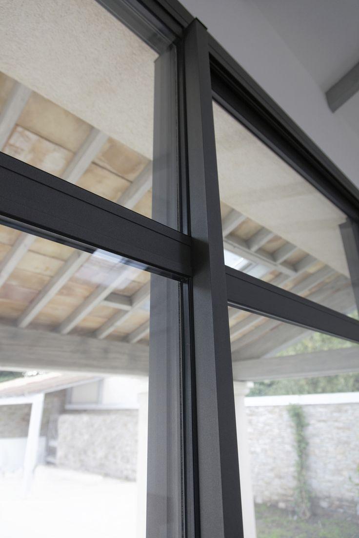 Détail de baie vitrée réalisé par rafflin alu un mas