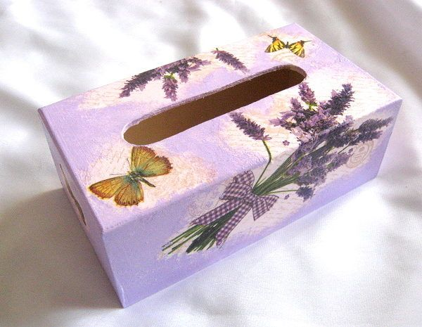 Cutie servetele hartie model de flori de lavanda si fluturi
