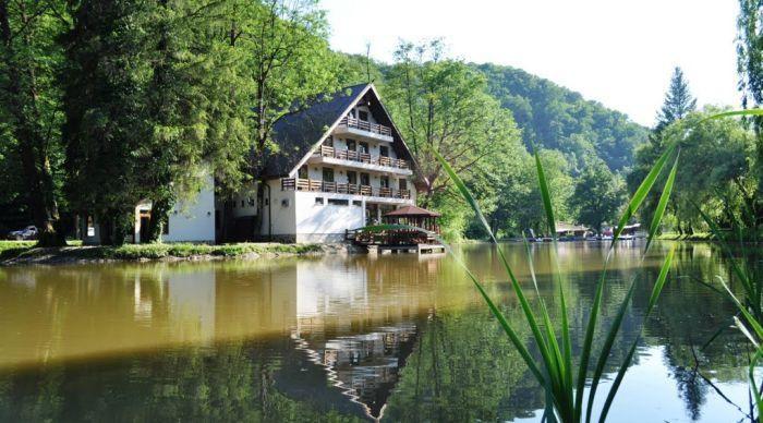 Moneasa, locul perfect pentru relaxare în weekend