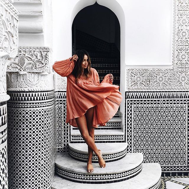 @sincerelyjules  This sums up Marrakech.   @soludos sandals and @grantlegan behind the lens.  29610 352 location : Marrakesh, Morocco »WEBSTA