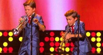 2 gemelli di 11 anni salgono sul palco: il loro talento lascia il pubblico allibito