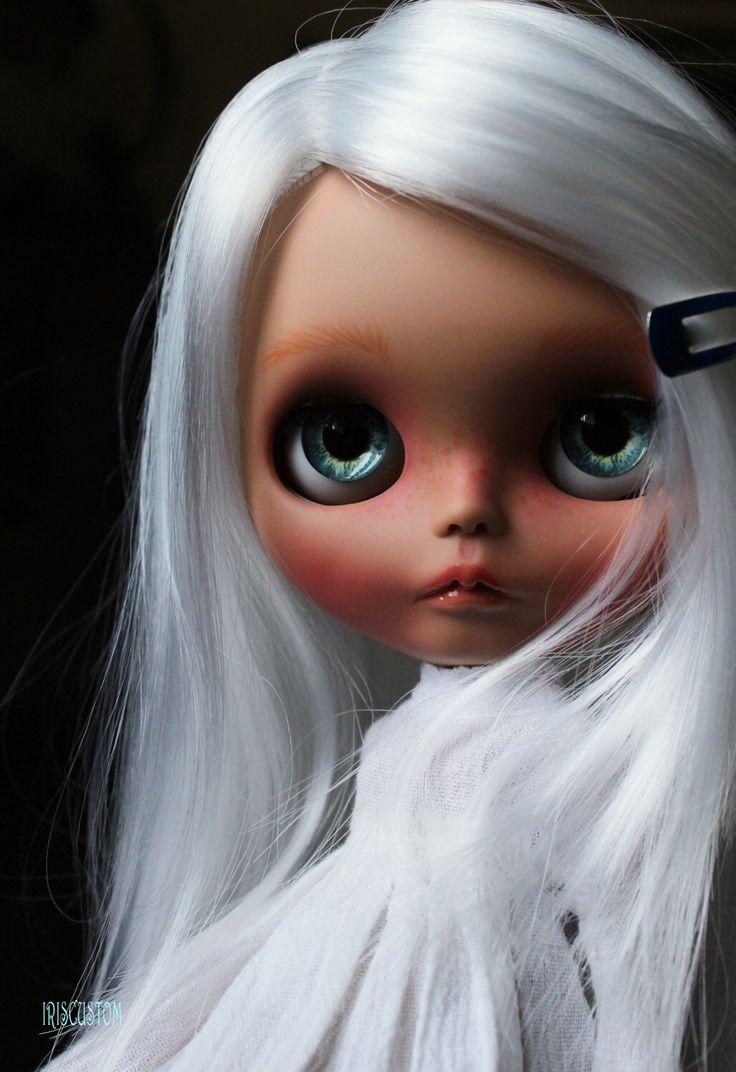 "Ooak Custom  Blythe Art Doll "" Hanaé "" by Iriscustom by aline8 on Etsy https://www.etsy.com/listing/514556071/ooak-custom-blythe-art-doll-hanae-by"