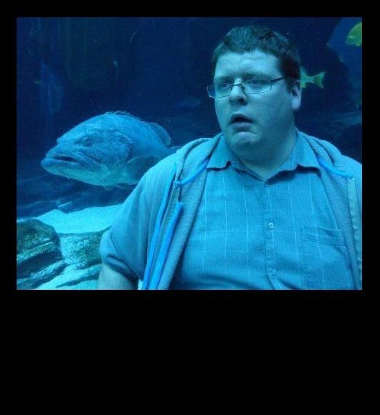 funny photos, man looks like fish