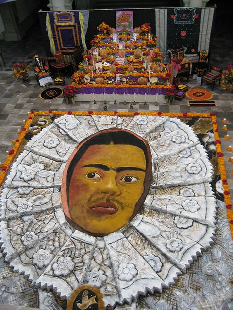 A sand painting of enormous scale, Frida Kahlo dominates the town hall of Oaxaca.: Art Mexicano, Enorm Scale, Of The, Day, Day, Photo, Frida Kahlo, Sands Paintings, Jack-O'-Lantern