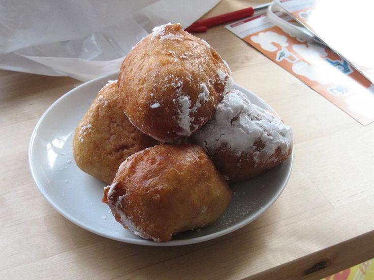 http://bommasrecipes.com/oliebol/    #recipes    Click image to read the recipe.