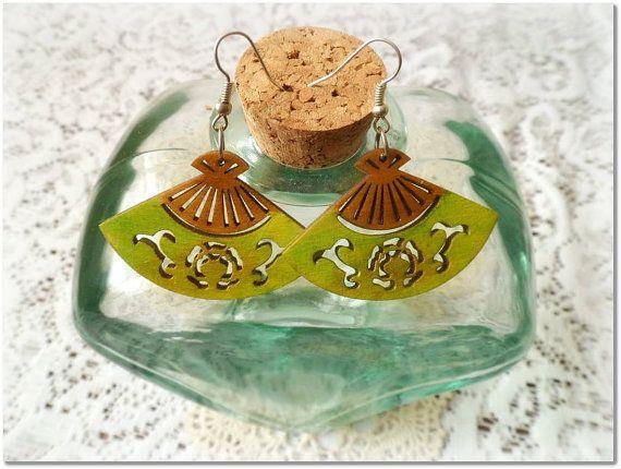 Lemon green fan wooden earringswith silver by CarmenHandCrafts, €5.00