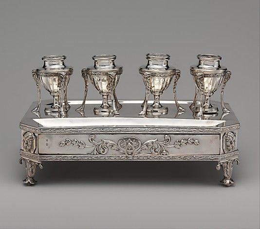 1802 British Inkstand at the Metropolitan Museum of Art, New York
