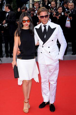 """Lapo Elkann, 34, e Zhu Zhu sul red carpet di Cannes 2012: una coppia, uno stile. Ma a proposito del fidanzato lei ha detto: """"Niente di definitivo""""."""