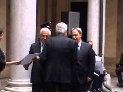 """Il Poeta Silvano Bortolazzi è nominato """"CAVALIERE AL MERITO DELLA REPUBBLICA ITALIANA"""" (PER LA POESIA), a soli 38 anni di età (non era mai accaduto prima in ..."""
